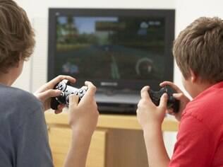 Crianças que desenvolvem vício por videogames podem anular capacidade de interação social