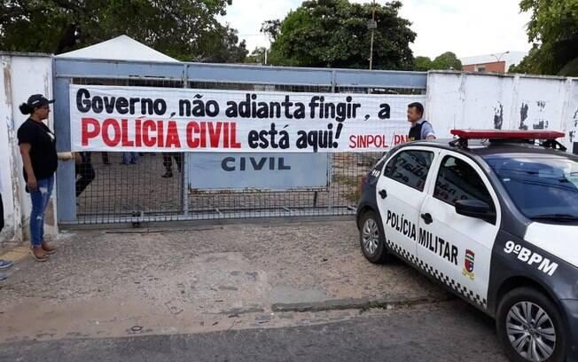 Agentes e escrivães da Polícia Civil do Rio Grande do Norte rejeitaram proposta do governo e permaneceram em greve pelo segundo dia consecutivo