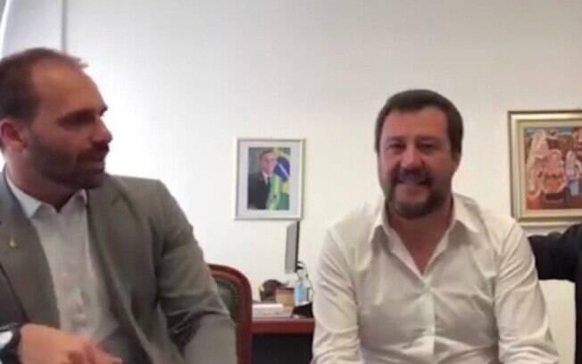 Eduardo Bolsonaro se reuniu com vice-premier da Itália, Matteo Salvini, e se desculpou por asilo dado a Battisti