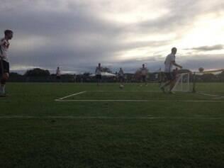 Seleção alemã fez uma atividade recreativa semelhante ao futevôlei