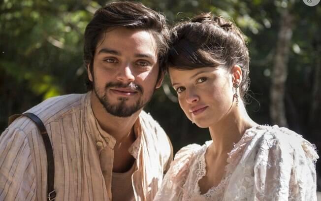 Rodrigo Simas e Agatha Moreira são colegas de elenco de Nathalia Dill em