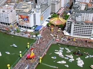 De Recife, o gigantesco Galo da Madrugada também atrai a turma LGBT