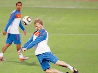 Holandeses garantem que não vão jogar retrancados, como fez a Alemanha, e que vão encarar a Espanha de frente