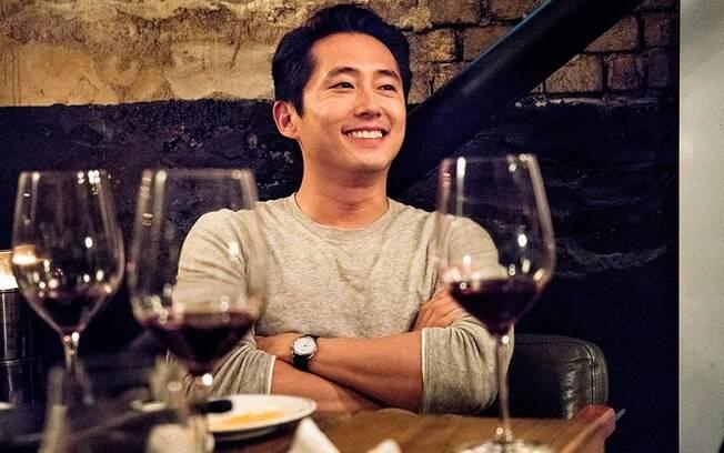 Steven Yeun em cena de