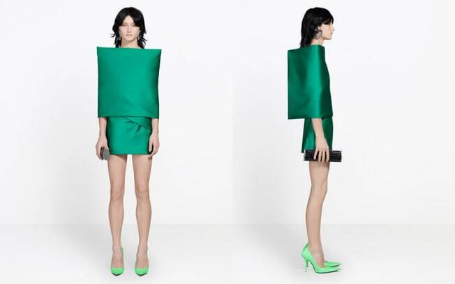 Vestido, vendido online por mais de R$ 18 mil, é criticado nas redes sociais por causa da sua aparência incomum