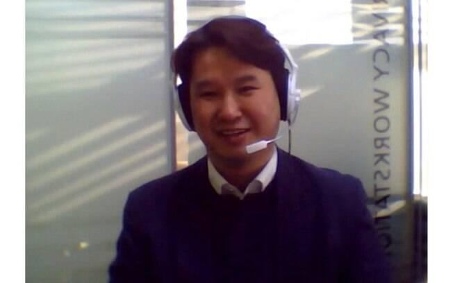 Professor Kim Jong-Yeon em chamada de vídeo