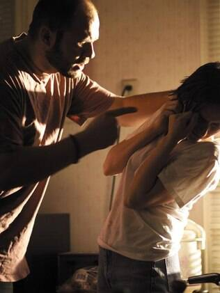 Agressão física e verbal fazem parte do cenário de violência contra a mulher