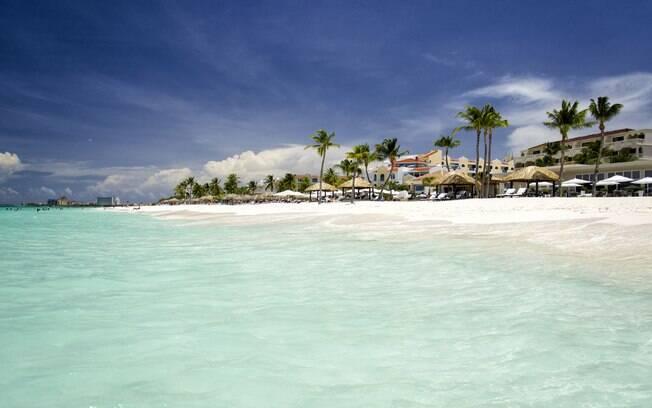 Palm-Eagle Beach, em Aruba, já é um destino conhecido por ser uma ilha paradisíaca que conta com muita badalação