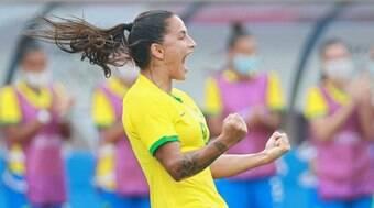 Com futebol feminino e sem