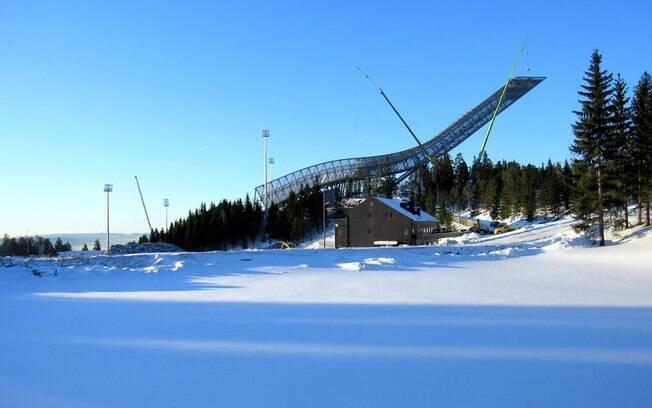 A Rampa de esqui de Holmenkollen foi inaugurada em 1892 e tem 60 metros de altura