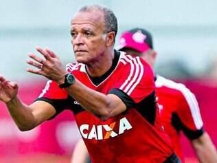 Jayme de Almeida assumiu o Flamengo após a queda de Mano