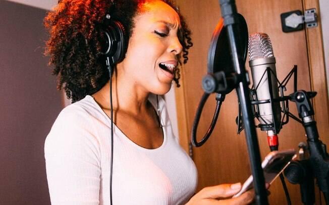 Negra Li lança novo disco