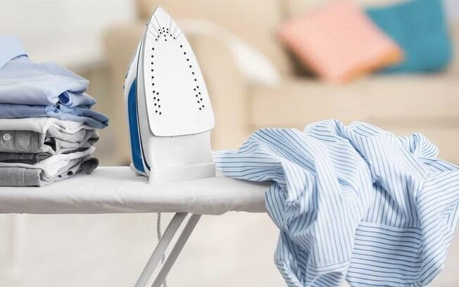 A conta de luz também pode ficar mais barata se você esperar acumular várias roupas para passar de uma só vez