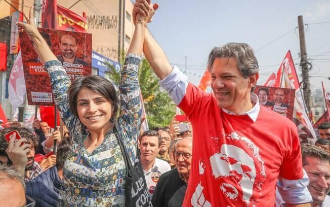 Fernando Haddad e sua candidata a vice, Manuela D'Ávila: chapa tem hoje 17,6% das intenções de voto, segundo CNT/MDA