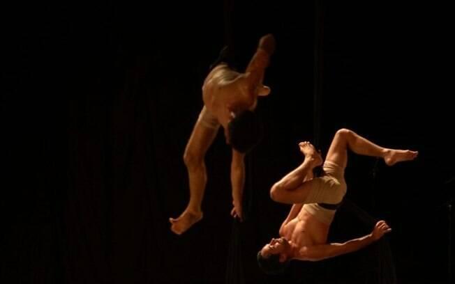 Grupo apresenta espetáculo de dança e aéreos circenses em live gratuita