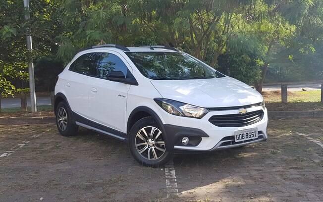 Chevrolet Onix Activ: mais do que o visual com apelo aventureiro hatch atrai pelo baixo consumo de combustível