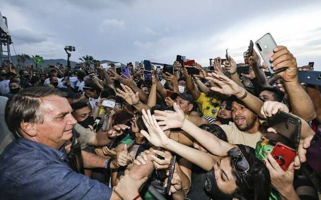 Imunidade de rebanho só seria atingida no Brasil com mais de 1 milhão de mortos, diz fundador da Anvisa