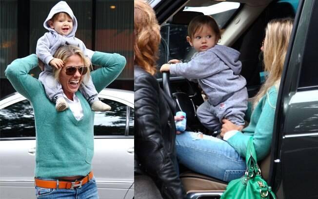 Vittorio faz a festa da mamãe Adriane Galisteu durante passeio em São Paulo