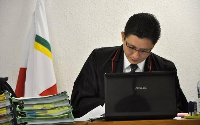 Promotor Henry Vasconcelos, responsável pela acusação do Caso Bruno, no 1º dia do júri