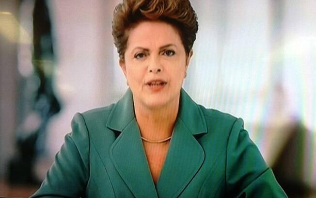 Presidente Dilma Rousseff (PT) faz pronunciamento sobre a crise na noite deste domingo (08)