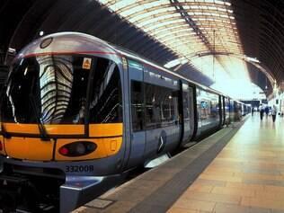 Os trens Heatrow Express e Heatrow Connect são uma opção mais econômica de transfer do aeroporto