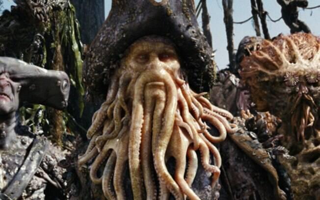 Inescrupuloso e cruel, Davy Jones explora sua tripulação e assombra a vida de qualquer pirata na franquia ''Piratas do Caribe''