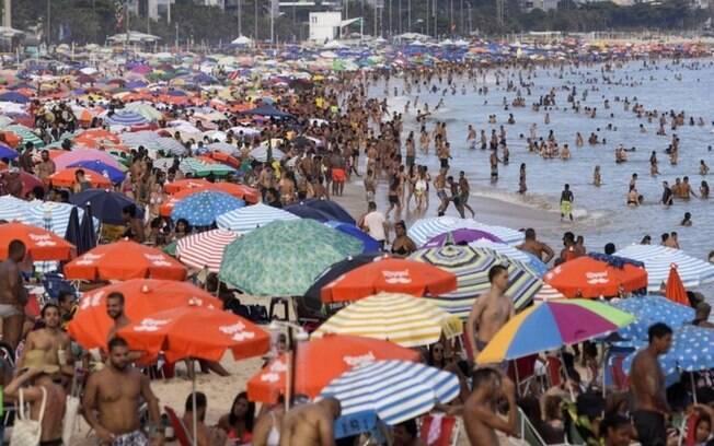 Coronavírus: Por que vacinação sem lockdown pode tornar Brasil 'fábrica' de variantes superpotentes