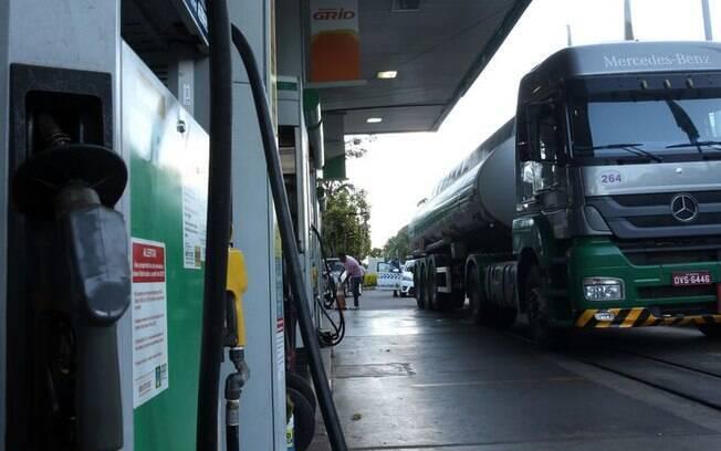 Petrobras anunciou que vai elevar preço do diesel em 8% a partir desta terça-feira (19)