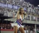 "Ivete Sangalo faz ""maratona"" na Sapucaí e é ovacionada"