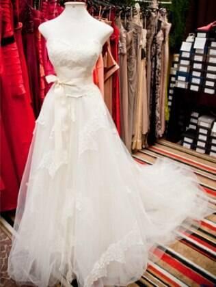 Vestido Lucas Anderi Couture, custa originalmente R$ 8 mil