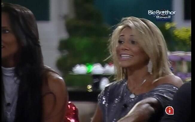 Fabiana relembra de quando desfilou no Carnaval