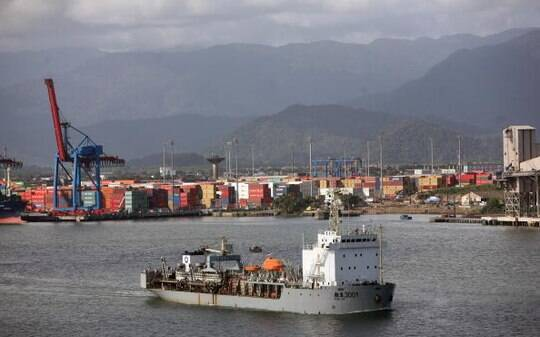 Movimento no Porto de Santos vai superar meta, prevê Codesp - Infraestrutura - iG