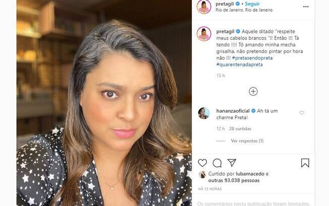 A cantora foi elogiada por assumir a mecha branca no Instagram.