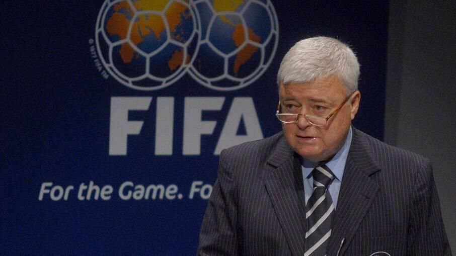Fifa teme retorno de Ricardo Teixeira, cartola que simboliza o passado corrupto da instituição