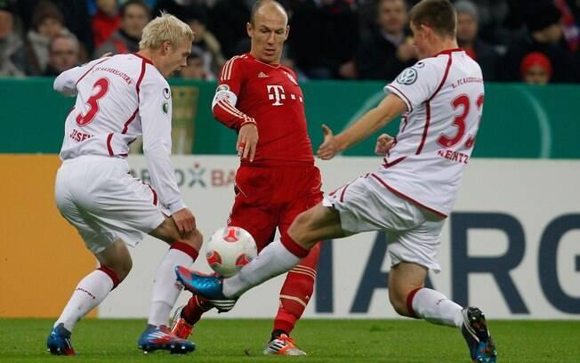 Aproveitamento de 100% foi interrompido na  nona rodada, com a derrota por 2 a 1 para o Bayer  Leverkusen