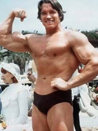 Schwarzenegger começou sua carreira como fisiculturista