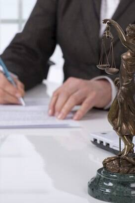 3 - Os honorários advocatícios são assunto de 373,840 mil processos em tramitação no TST. Foto: Divulgação