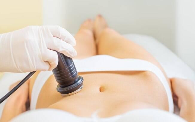 Quem quiser fazer lipocavitação deve desembolsar de R$ 150 a R$ 300. Ela ajuda a eliminar gordura por meio de ultrassom