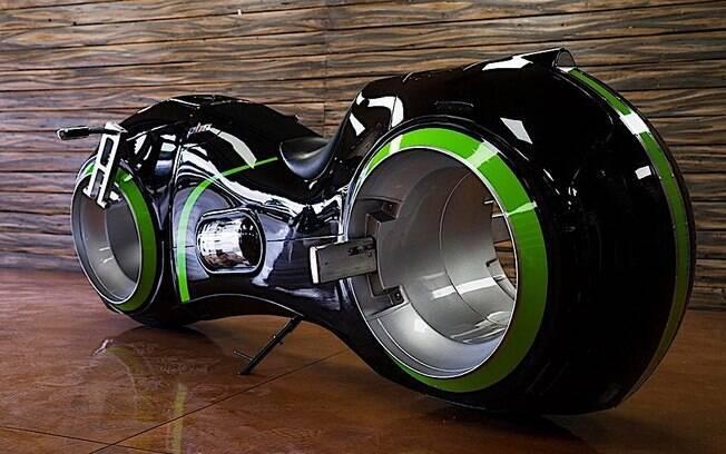 Moto do filme Tron é um conceito para rodar nas ruas. Tem motor elétrico capaz de chegar aos 110 km/h