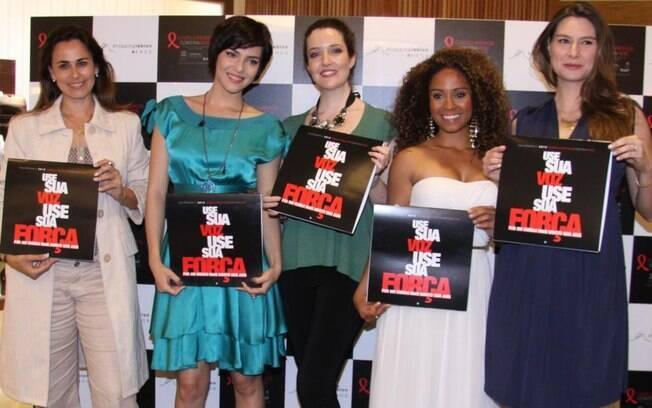 As atrizes Daniela Escobar, Tainá Muller, Larissa Maciel, Cinara Leal e Lavinia participam da campanha