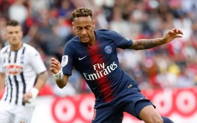 Neymar em ação contra o Angers: nenhuma falta sofrida