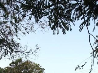 SUPER - CONTAGEM - MG  CRIANCA DE NOVE MESES MORRE EM CRECHE . DONA DA CRECHE PASSOU MAL E SAIU LEVADA PELO SAMU . FOTO: MOISES SILVA / O TEMPO 05-08-2014