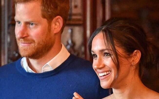 Príncipe Harry e Meghan Markle anunciam