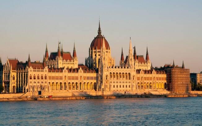 Foto do parlamento de Budapeste, na Hungria
