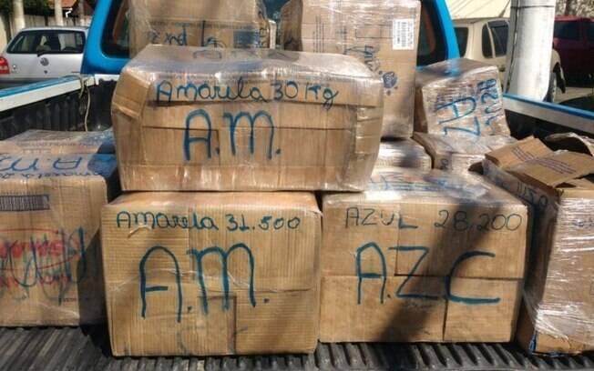 Mais de 500 kg de maconha são apreendidos em caminhão carregado de milho em Piraí