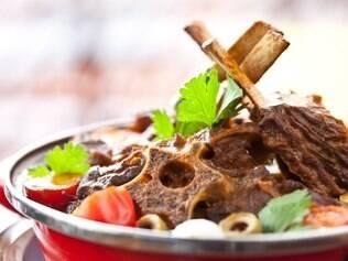 O prato Atolado de Bode é um exemplo da cozinha do sertão do chef Rodrigo Oliveira, que conquistou SP