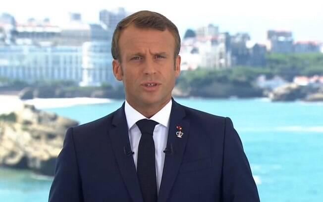 Emmanuel Macron anuncia medidas restritivas no país