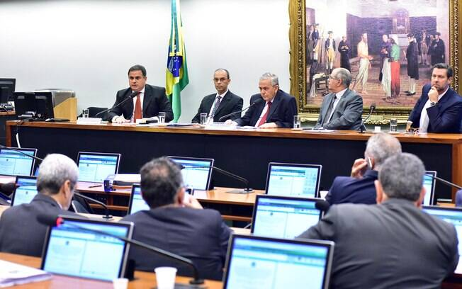 Comissão na Câmara vai investigar crimes no Conselho Administrativo de Recursos Fiscais