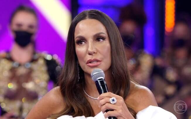 A cantora discursou ao receber o prêmio Mário Lago no Domingão do Faustão