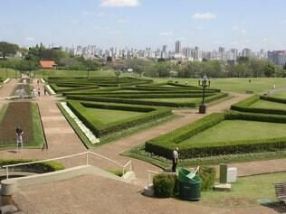 Paisagismo do Jardim Botânico de Curitiba é exemplo em todo o País